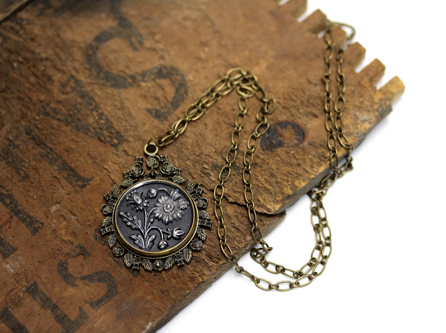 Victorian Daisy Necklace #antique #victorian #jewelry