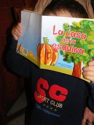 Niño-libro ( Gracias a la mamá que nos mandó foto)