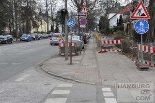 """Benutzungspflichtiger unbenutzbarer """"Radweg"""" Alsterkrugchaussee"""