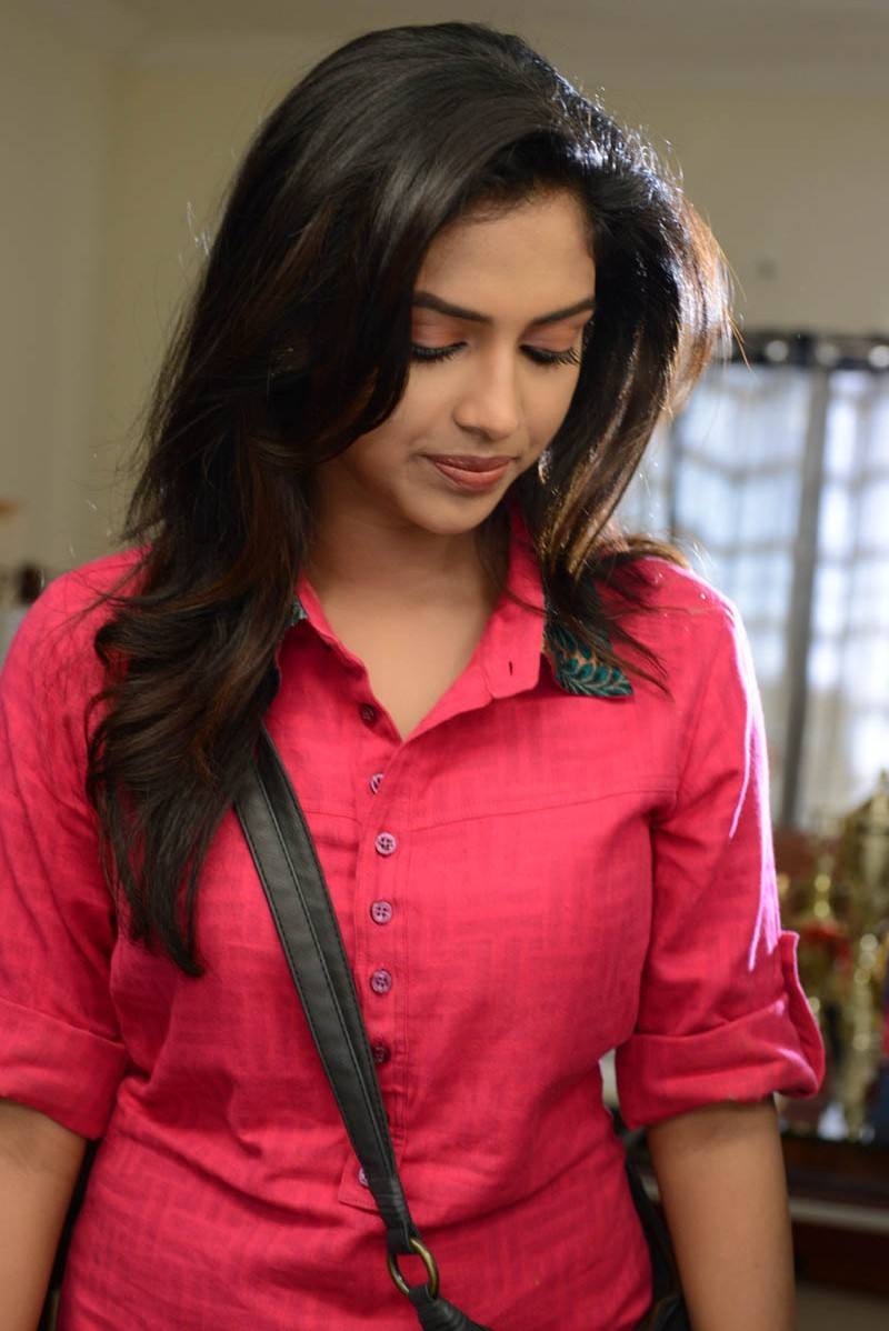 Cute amala paul in pink shirt