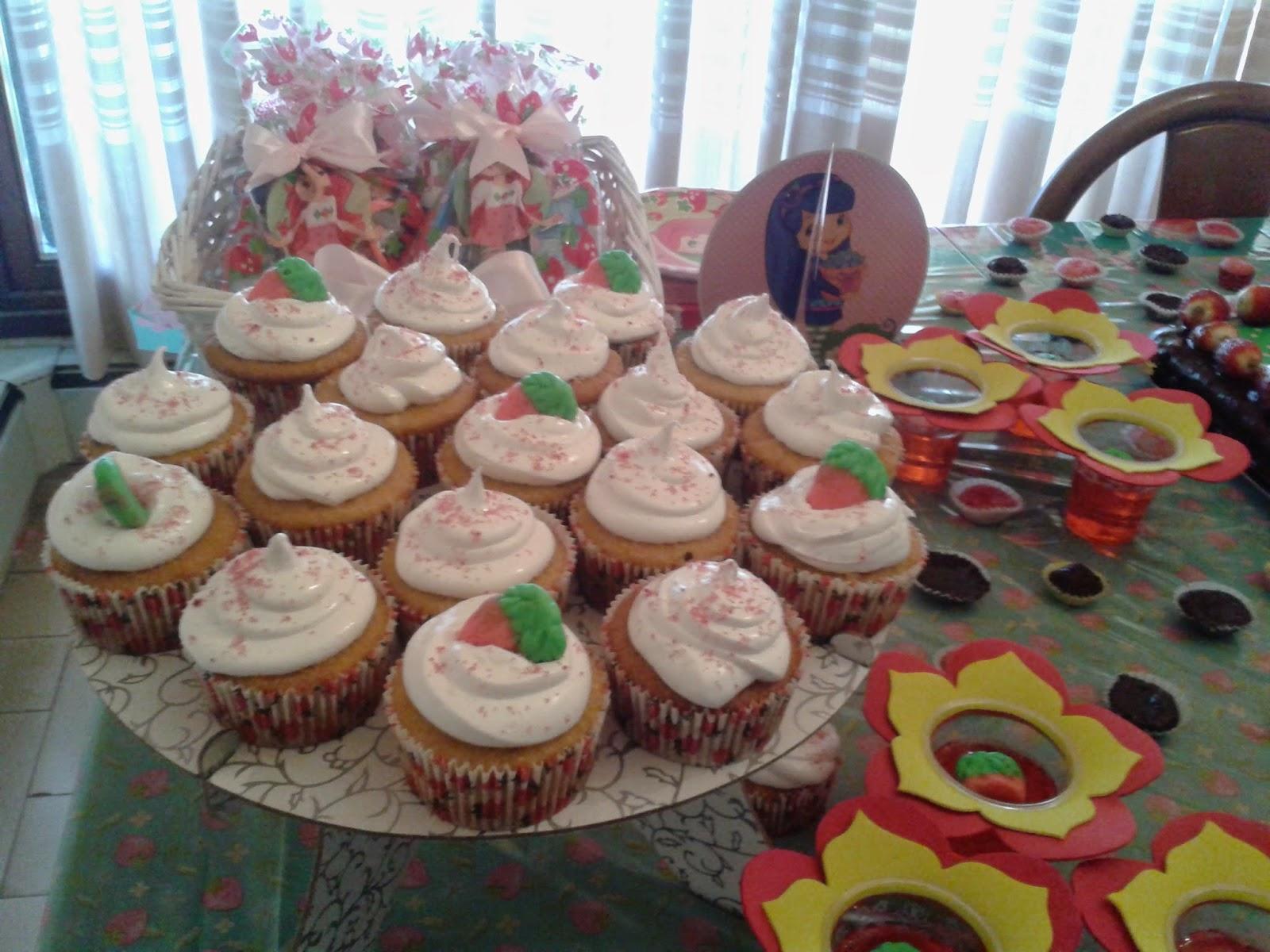 cupcake com recheio de brigadeiro