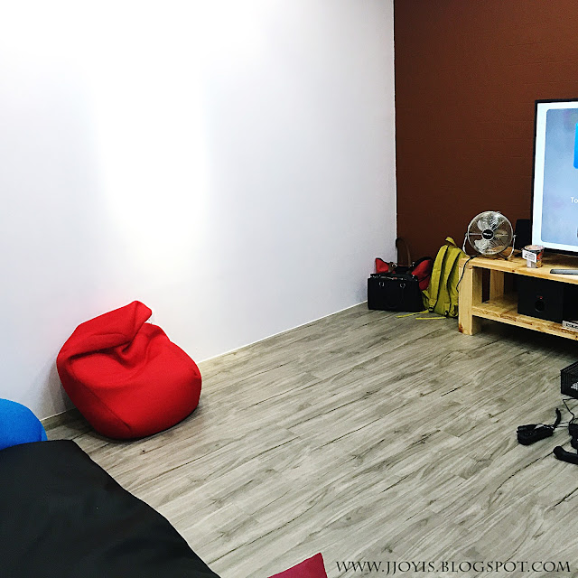 Hide out SG room
