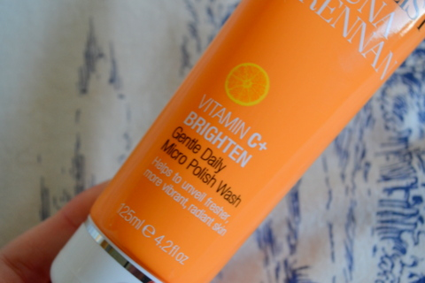 Super Facialist By Una Brennan Vitamin C Brighten Gentle Daily Micro Polish Wash