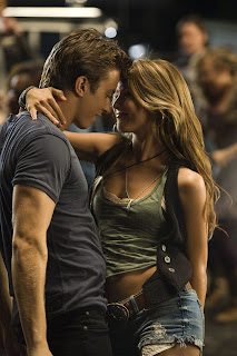 Footloose-movie-2011-Julianne-Hough_Kenny-Wormald