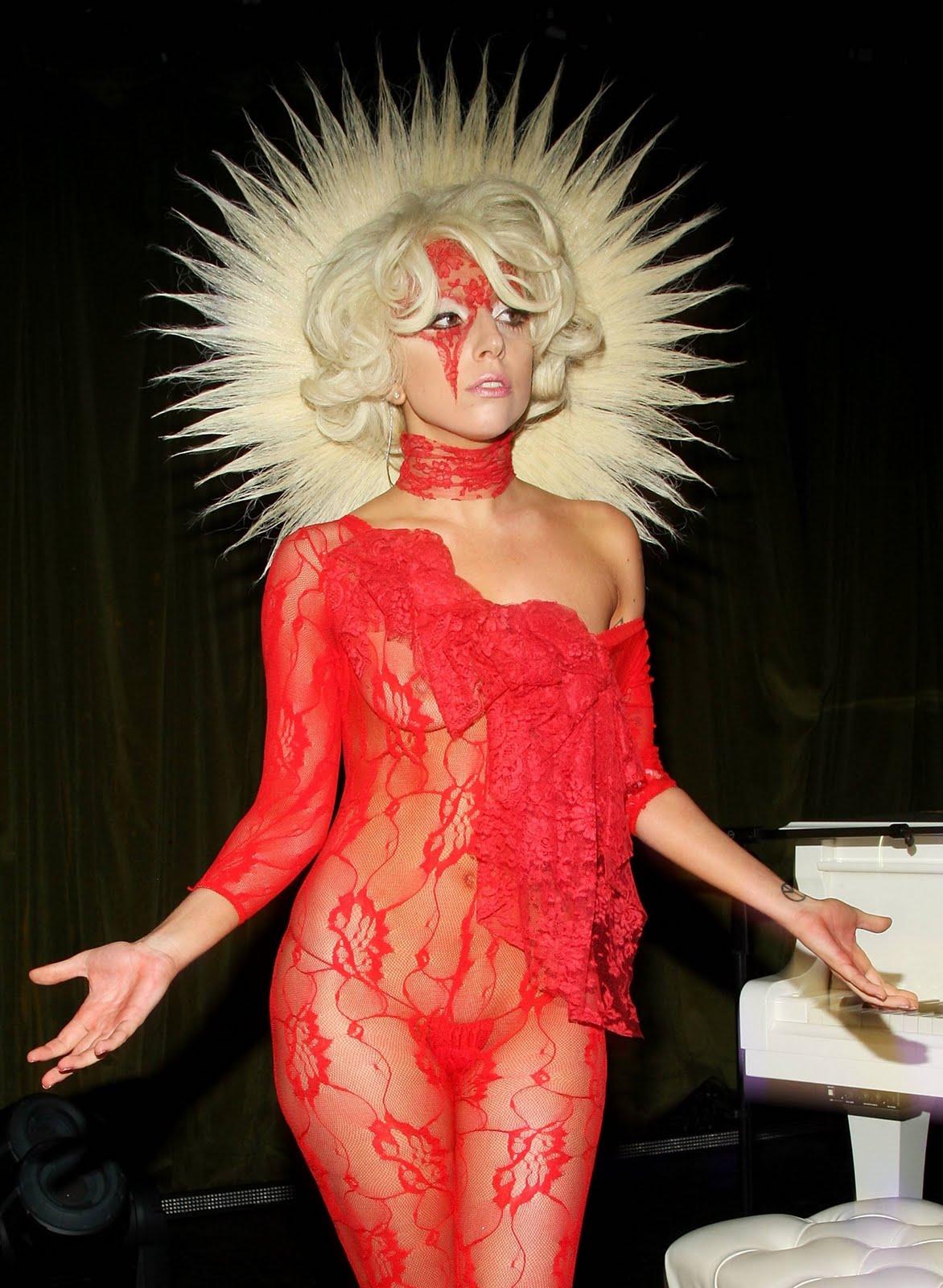 http://4.bp.blogspot.com/-LTk9YzrPsSM/Twu27K2SfGI/AAAAAAAAZAU/5yzMOc1uYRU/s1600/FOTO-Lady-GaGa-70.jpg