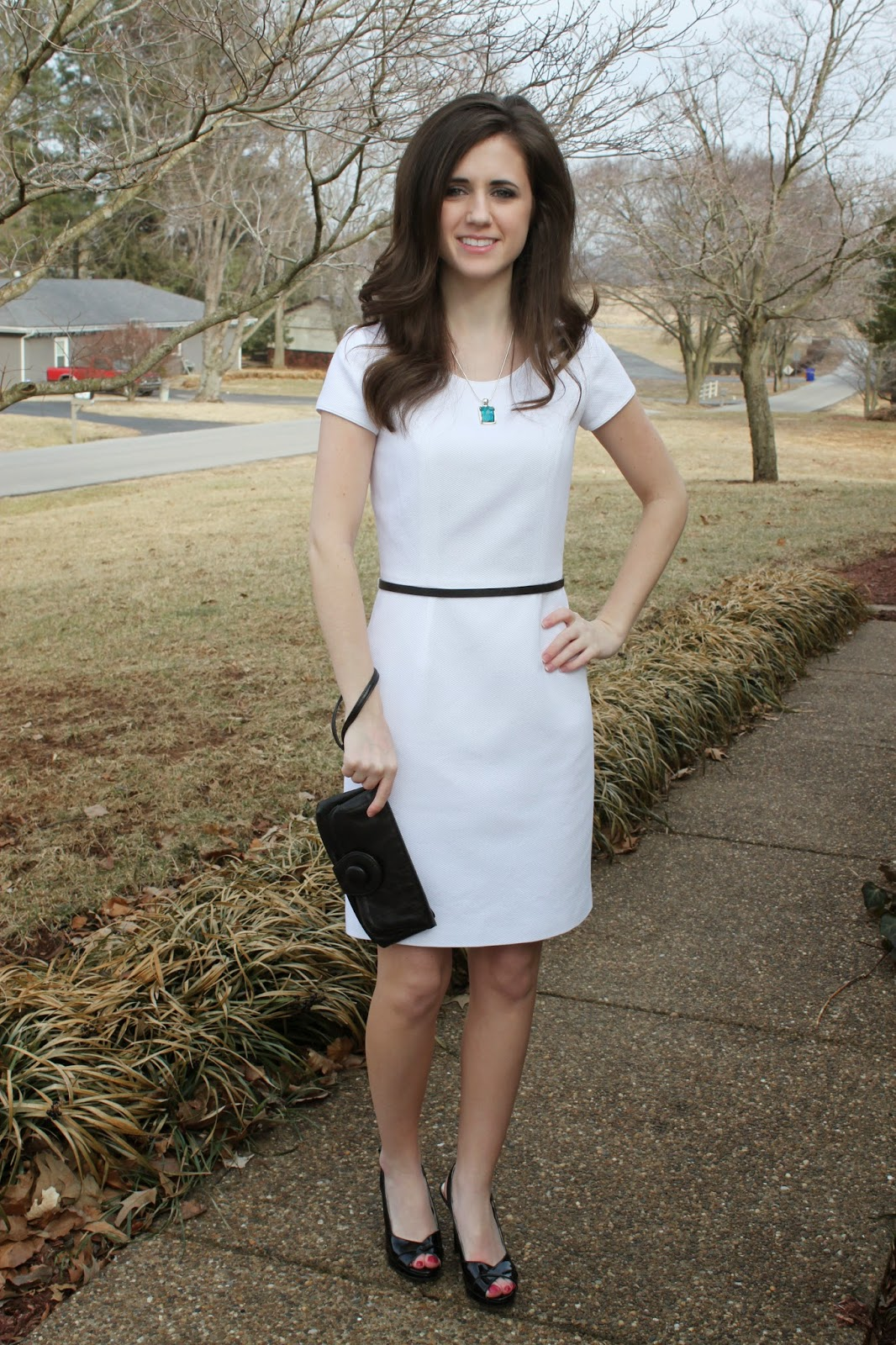 http://janmade.blogspot.com/2014/02/little-white-dress-contest.html