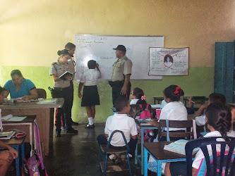 Policia Nacional Bolivariana Estado Carabobo, interactua con las escuela de la parroquia Miguel Peñ