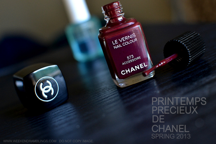 Chanel Le Vernis Best Dark Nail Polish Colour Accessoire 573 Printemps Precieux Spring 2013 Makeup Collection Indian Beauty Blog Review NOTD Swatch