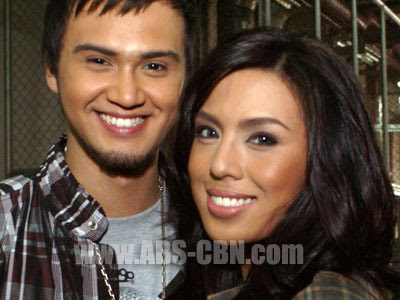 Billy crawford Returns to the country, surprises girlfriend Nikki Gil