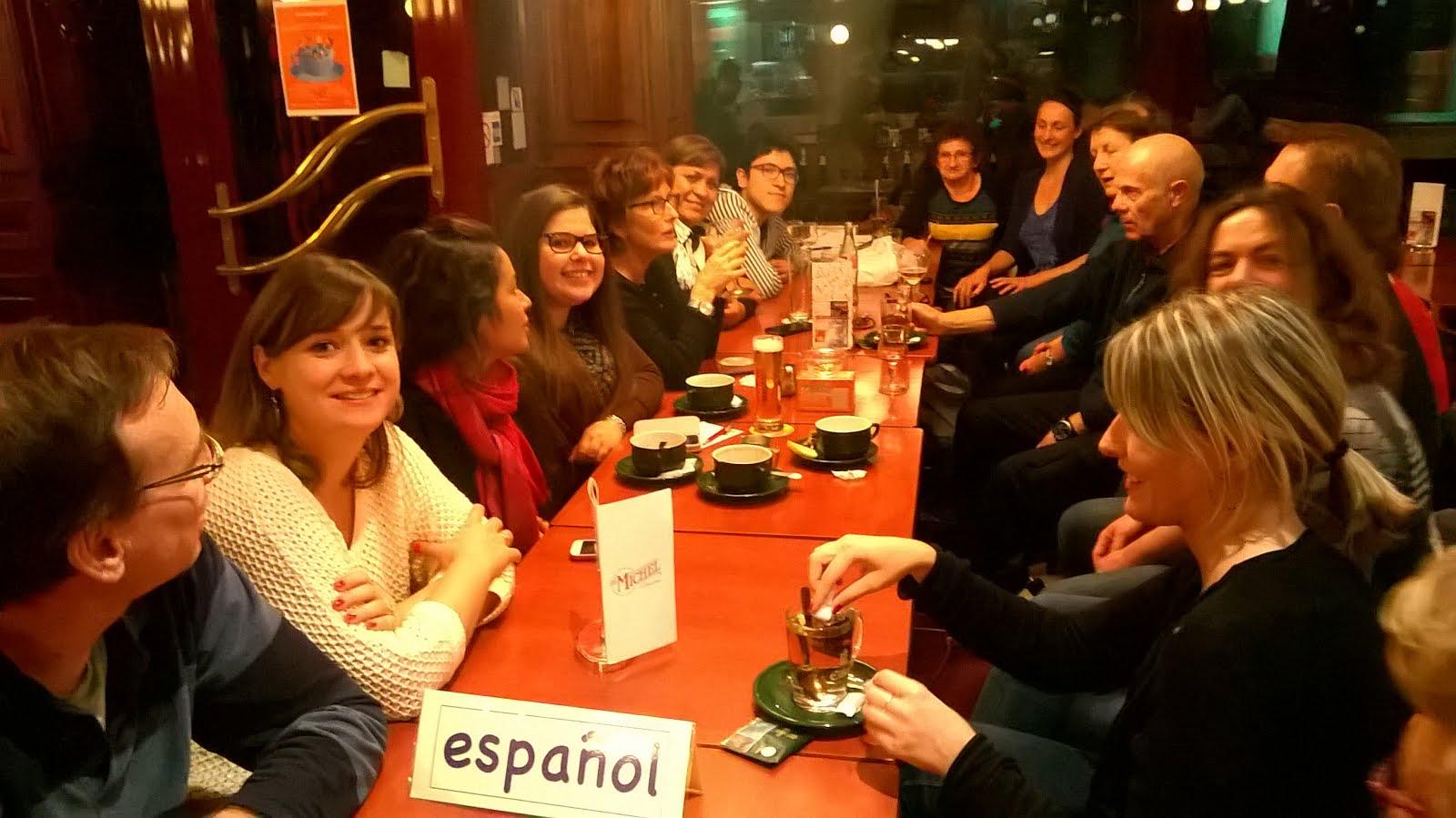 Parler espagnol hablar espa ol for A table en espagnol