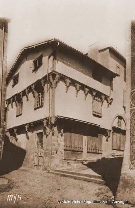 CPA Maringues, maison des  7 péchés capitaux