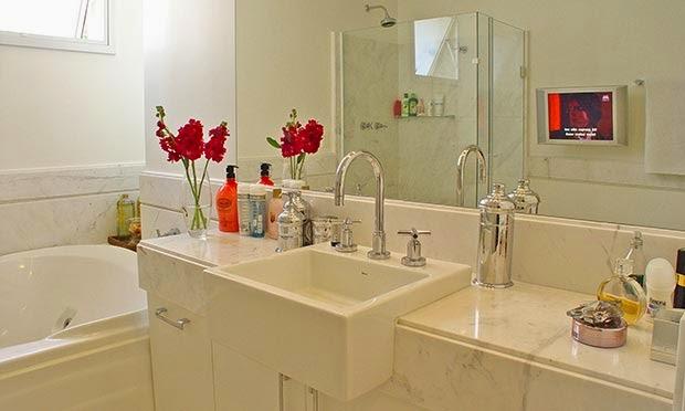 PÁTIO DAS FLORES Flores para decorar banheiros e lavabos -> Banheiro Feminino Translation