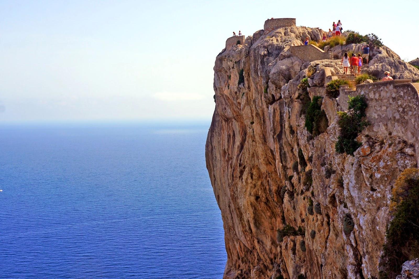 Mirador en la carretera hacia el cabo de Formentor