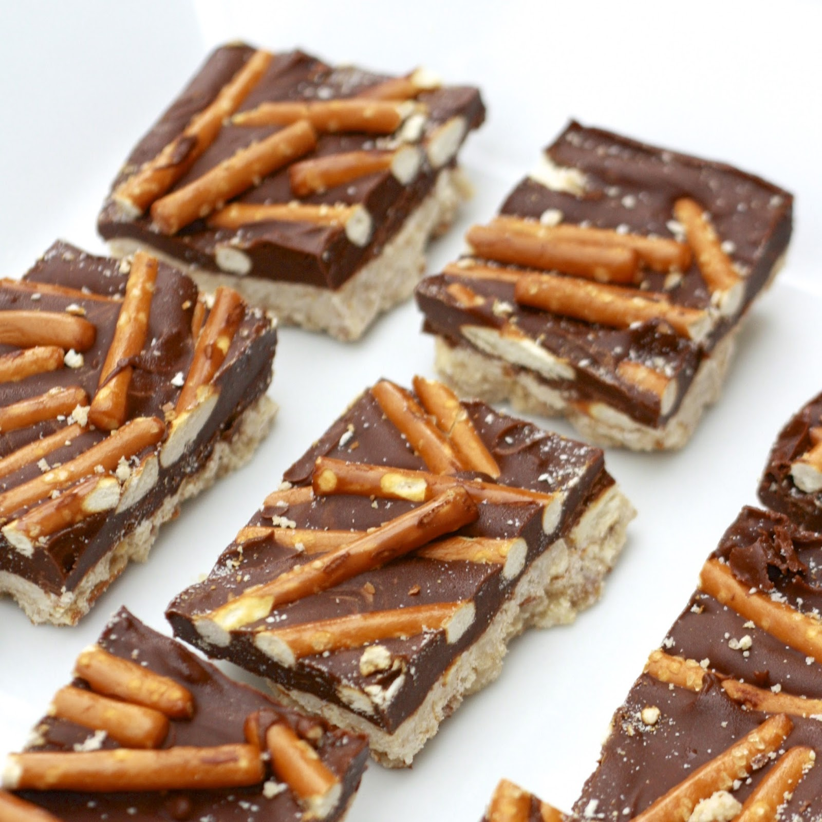 Chocolate Peanut Butter Pretzel Bars | The Sweets Life