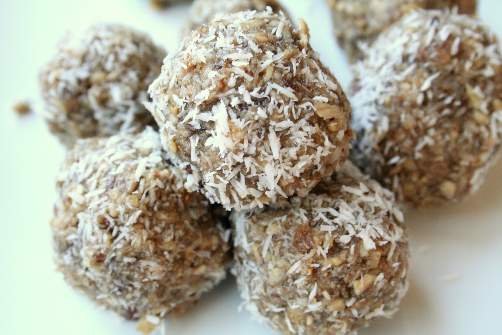 Raw No Bake Energy Cookies