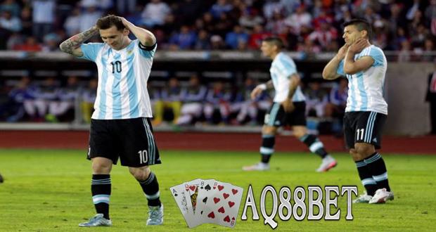 Agen Bola AQ88bet - Argentina memetik hasil kurang memuaskan pada laga perdana grup B Copa America. Klub besutan pelatih Gerardo Martino itu harus puas bermain imbang 2-2 dengan Paraguay.