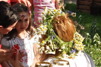Młoda księżniczka poddana walońskim rytuałom