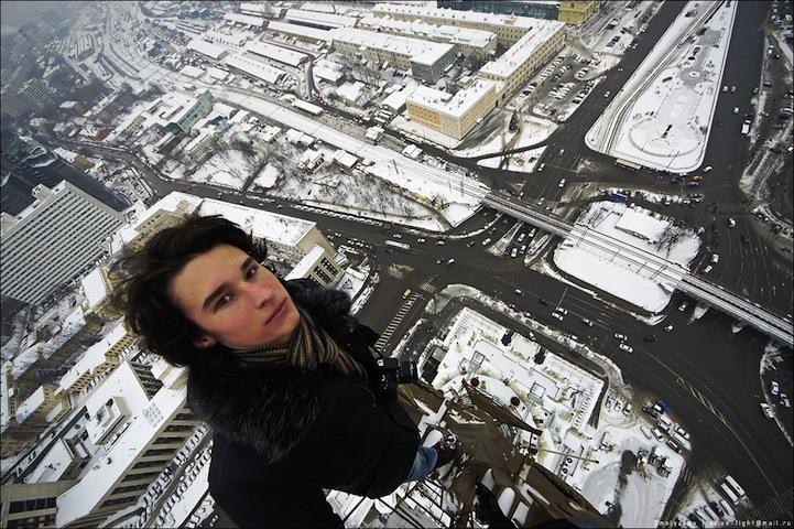ruso colgando de repisas de edificios Kirill Oreshkin