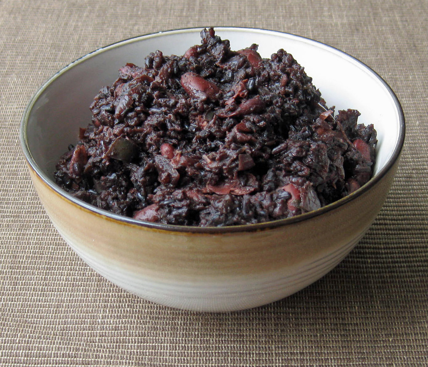 Watch Black Beans and Rice with Papaya and Red Onions video