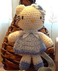 http://sweet-dollies.blogspot.com.es/2012/03/hello-kitty.html