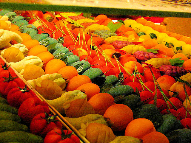 Can you believe all this fruit is elaborately decorated Marzipan? The sweet almond confection is found throughout Germany and the world. Photo: WikiMedia.org.