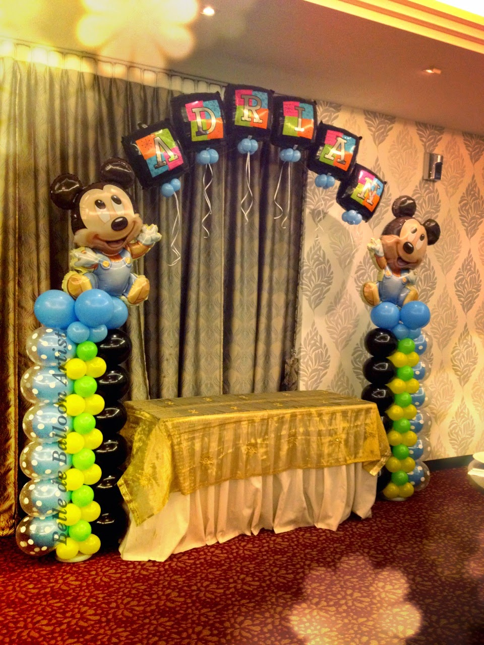 Belle de balloon artist mickey minnie themed balloon for Baby mickey decoration ideas