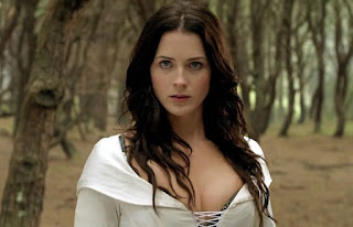Bridget Regan as Kahlan Amnell in Legend of the Seeker