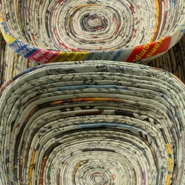 Recicla inventa: cómo hacer adornos para casa con papel de regalo ...