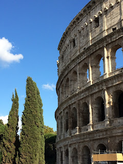 Vue du Colosseo - Colisée - Cyprès Rome