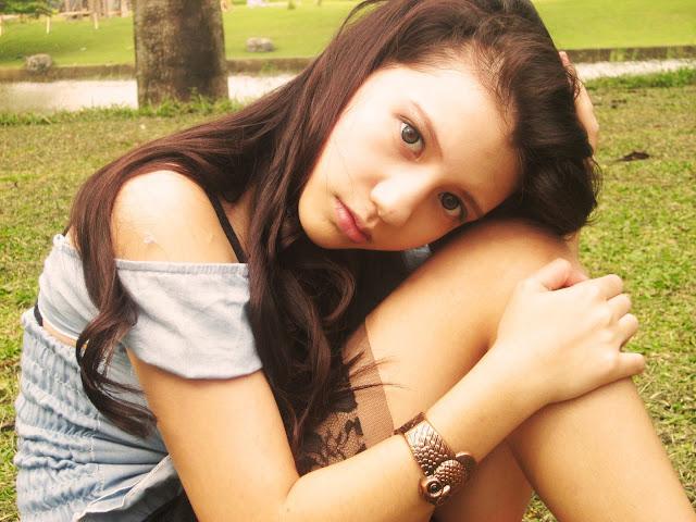Kumpulan Foto Cassandra WINXS Hot di taman