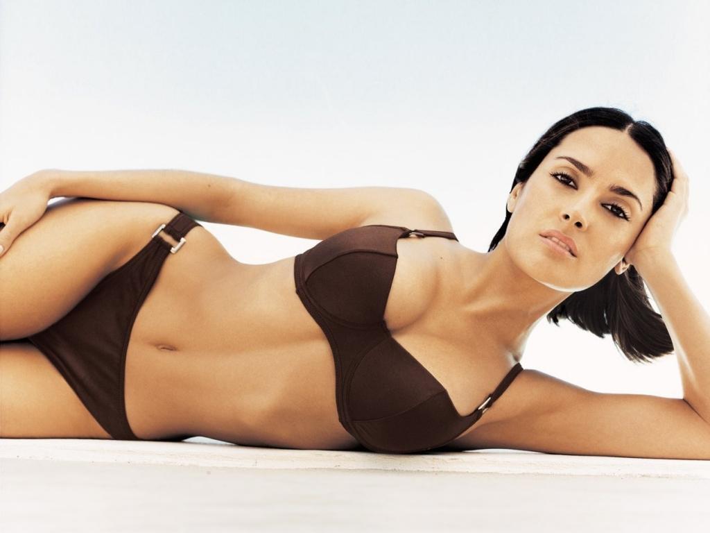 http://4.bp.blogspot.com/-LVFEgaxK2Rg/TX3EMKZwONI/AAAAAAAAAME/eGnvVRPoQMg/s1600/salma-hayek-bikini-wallpaper.jpg