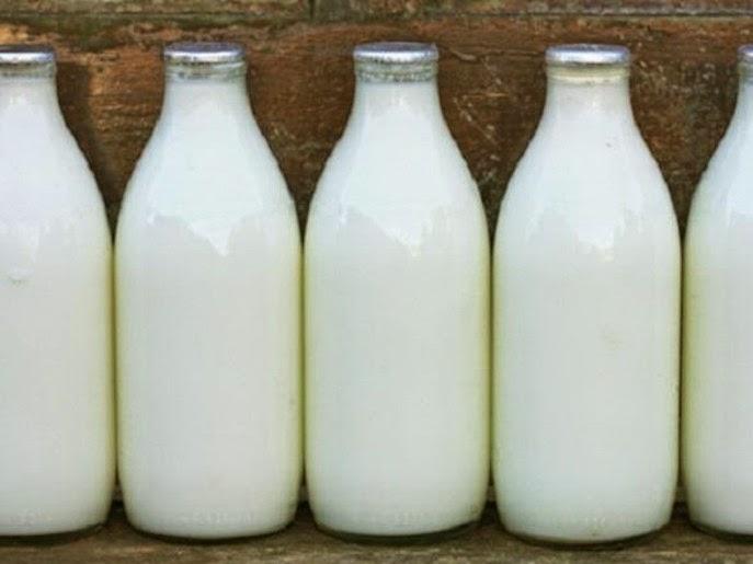 مفاجاة كبرى :  3 أكواب يومياً من الحليب تفتك باكراً بشاربيه