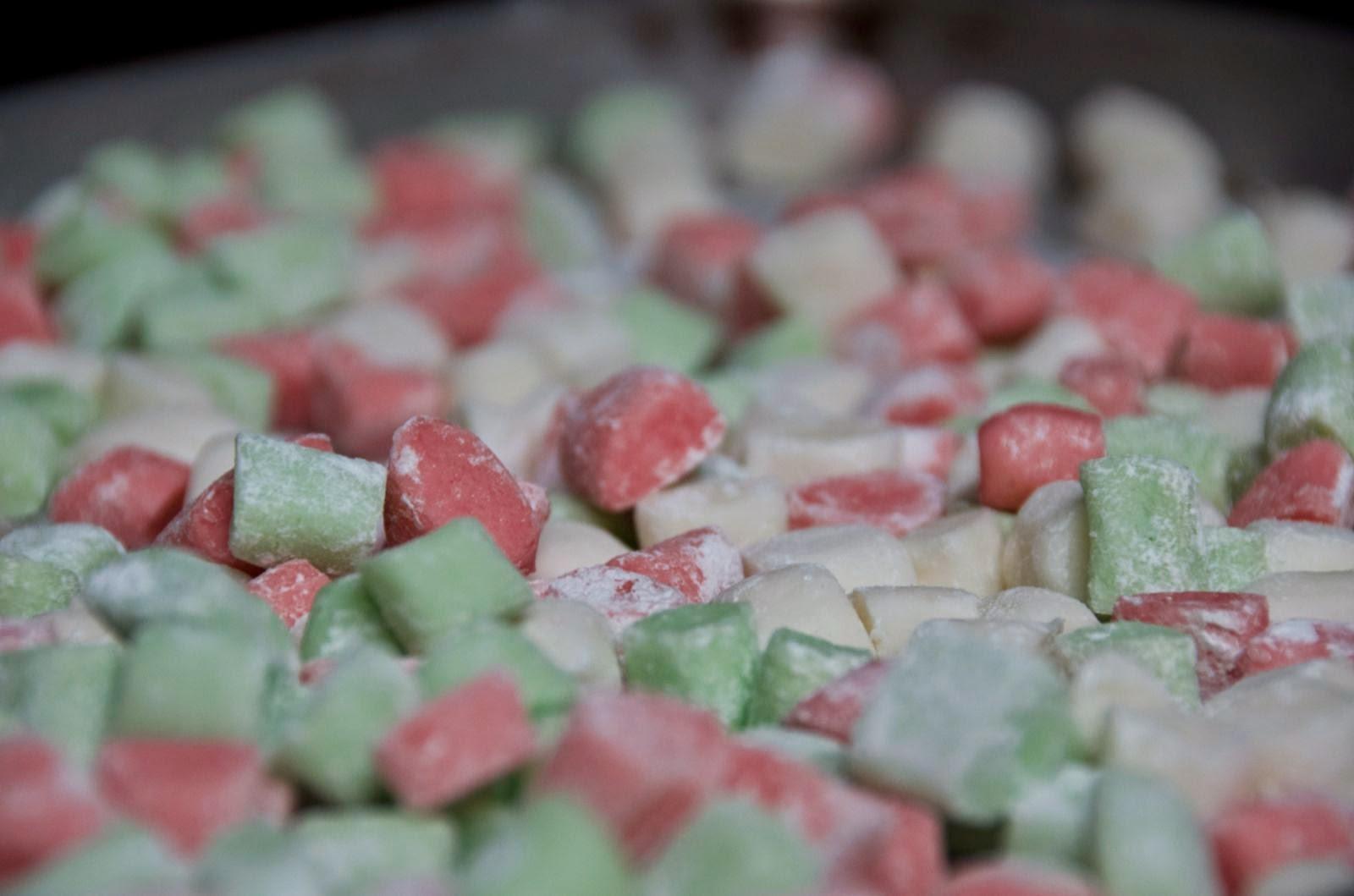 Homemade buttercream mints III   Cheesy Pennies
