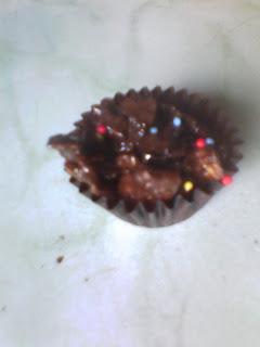 Membuat Kue Krekes