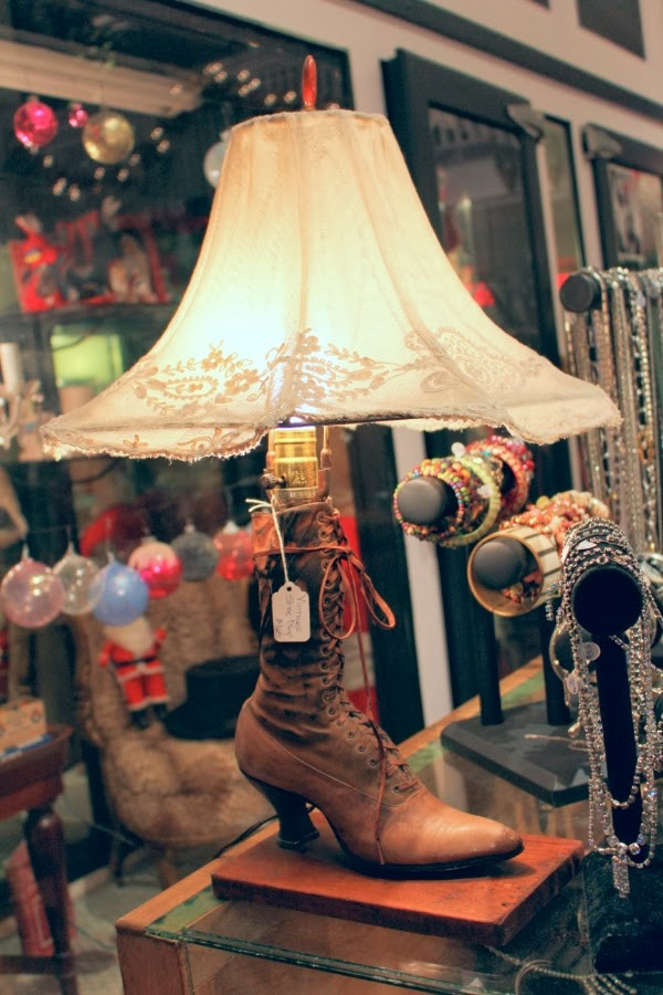 Vintage Decor #vintage #lamp