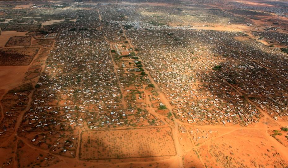 Megacampo de refugiados somalíes en Dadaab, frontera de Kenya. El mayor del mundo (400.000 plazas)