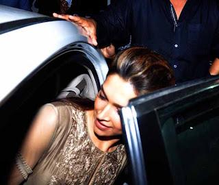 Shahrukh and Deepika At PVR
