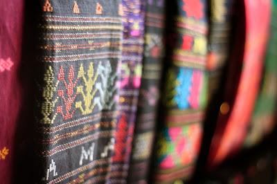 kain tenun ulos asli sumatera utara