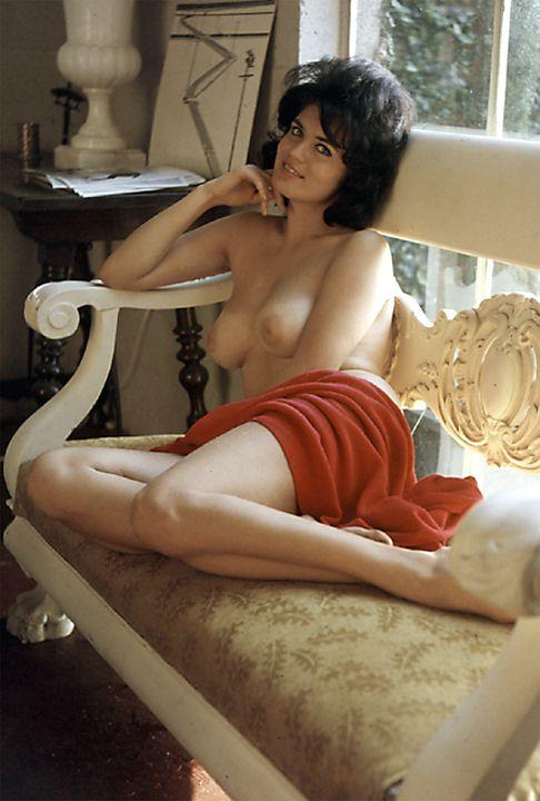 Nude pinay women
