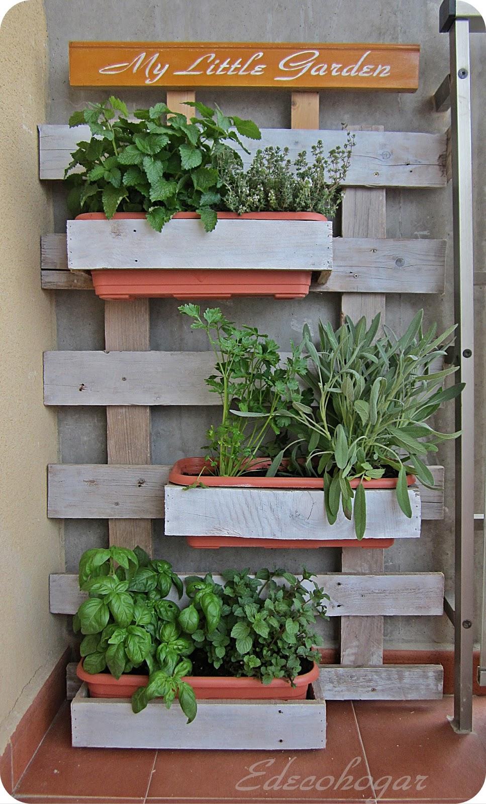 Edecohogar una jardinera con madera de palet - Macetas hechas con palets ...