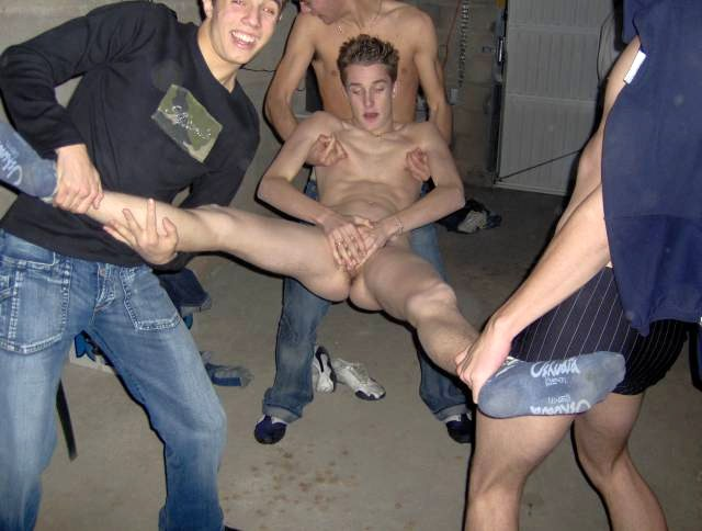 FRATMEN naked college jocks and straight boy
