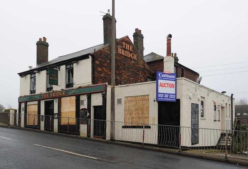 closed pubs  february 2012