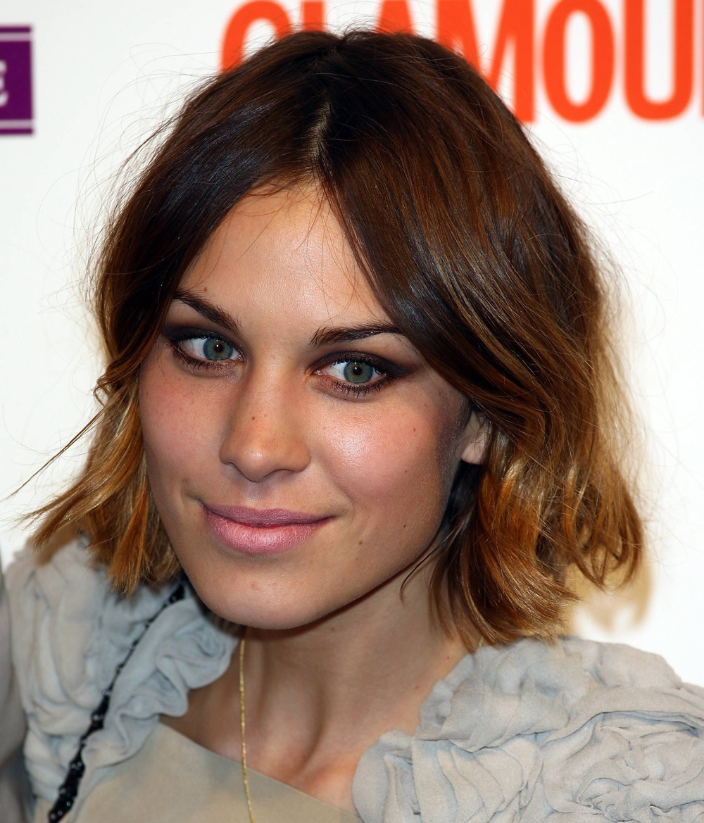 Alexa Chung Hairstyles look in June 2009