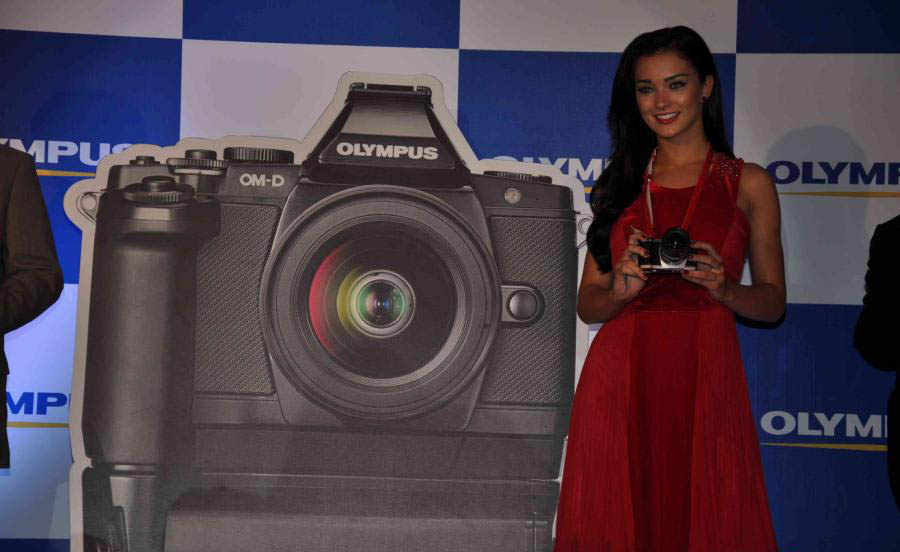 amy jackson launch olympus camera photo gallery