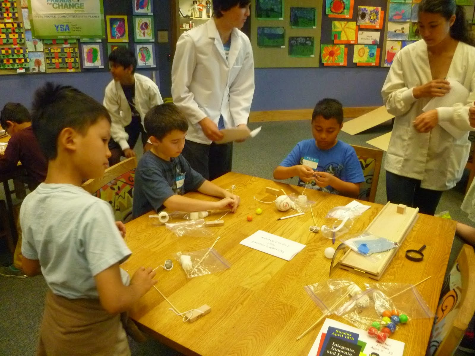 STEM class - helping kids learn through fun experiments