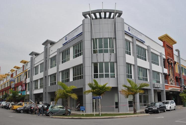 Staf di Pusat Pembelajaran Pahang