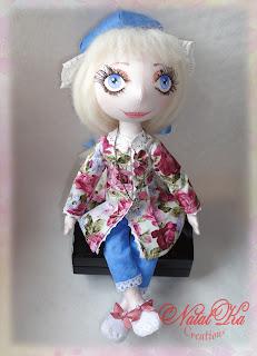 Cloth art doll handmade by NatalKa Creations. Künstlerpuppe handgemacht von NatalKa Creations.