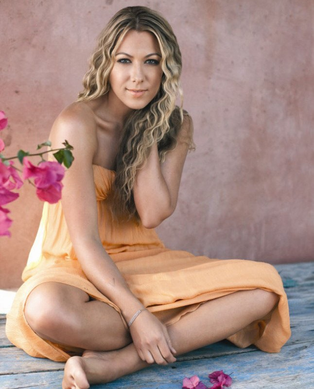 American Pop Singer Colbie Caillat Wiki & Pictures