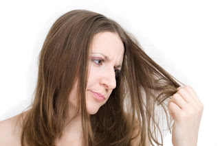 cara memperbaiki mengatasi merawat rambut rontok dan kering dengan bahan alami