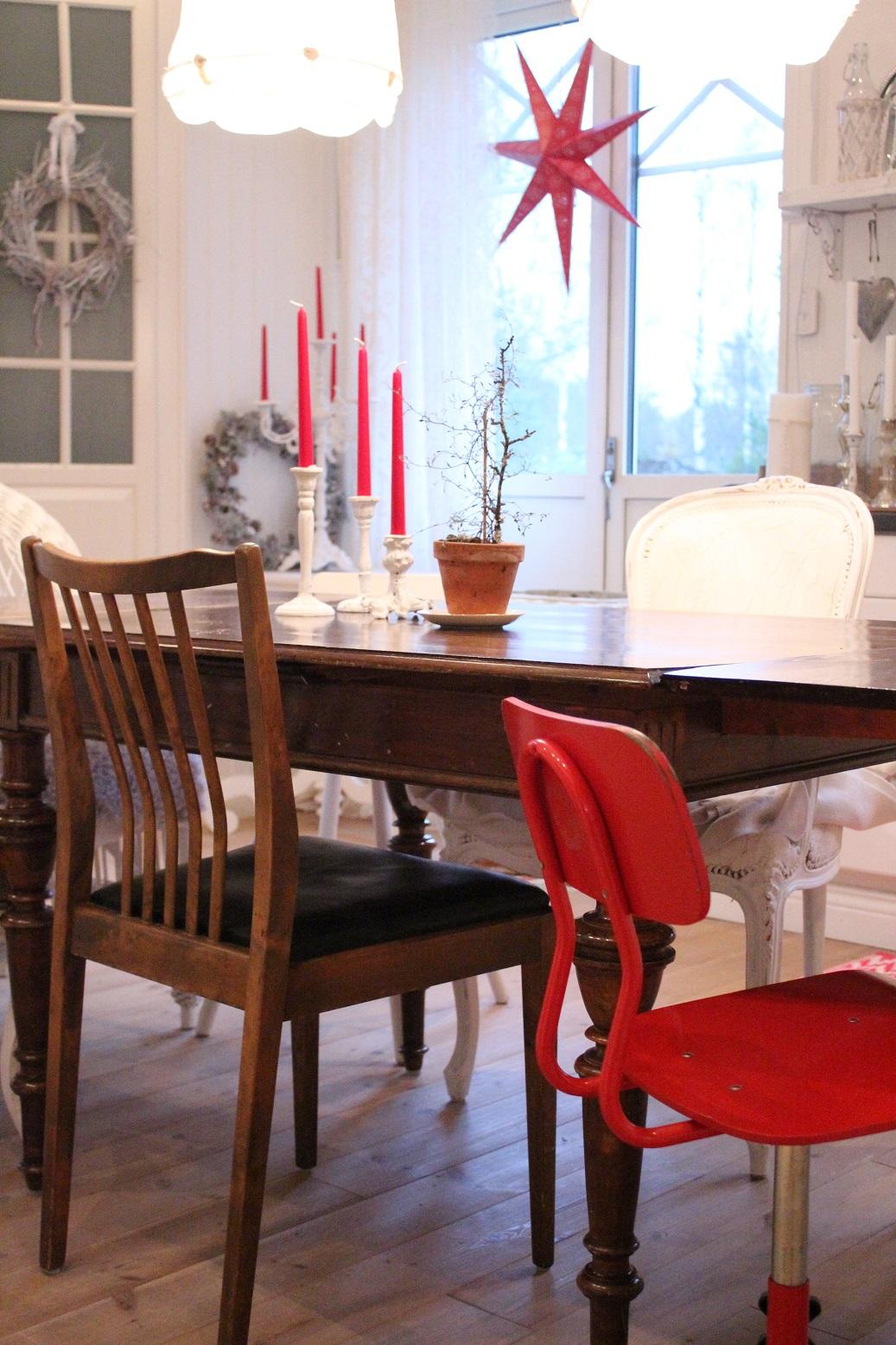 Claras hem pÅ byvÄgen : lite jul i köket